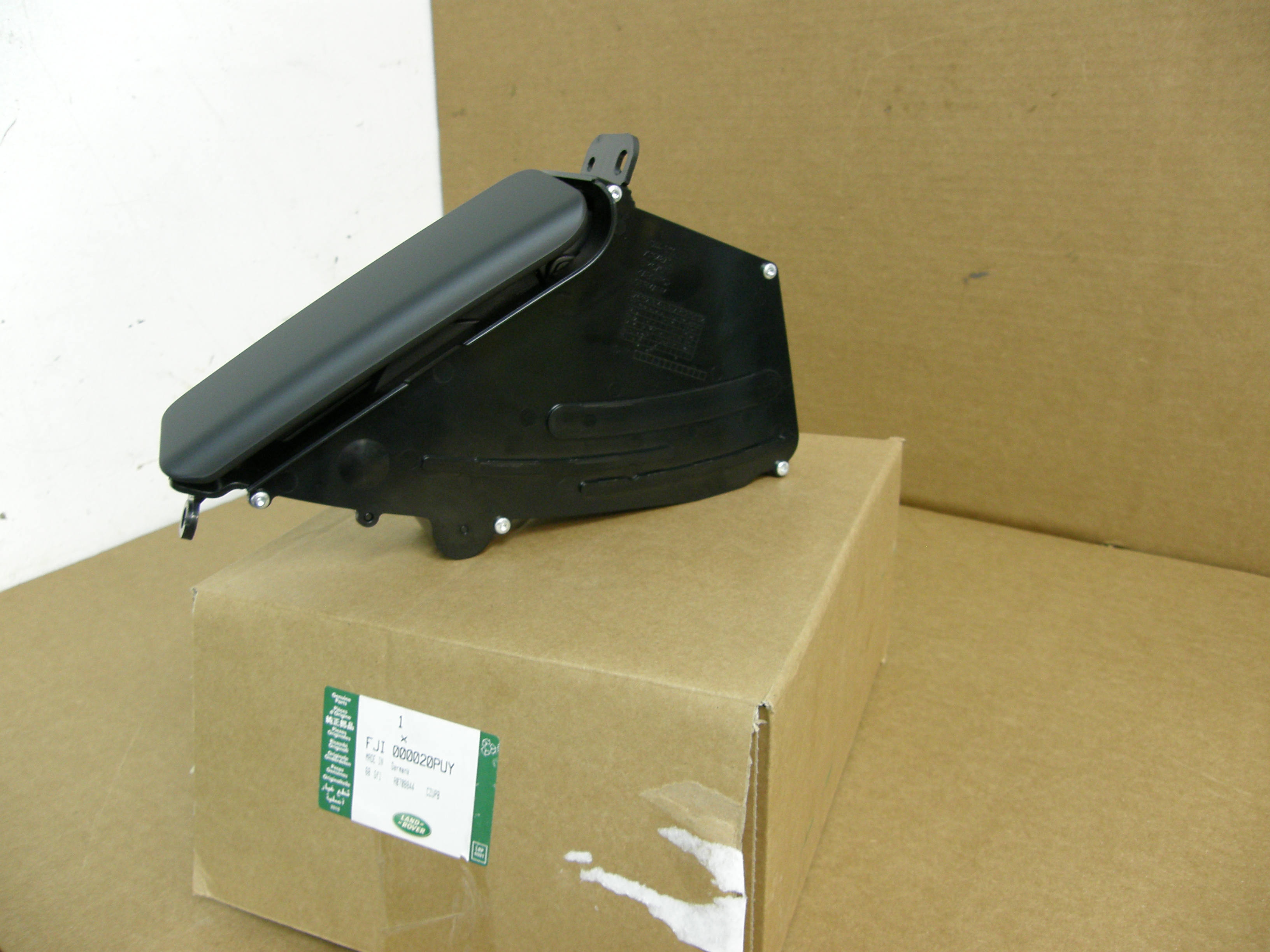 Land Rover Cup Holder Center Console Range Rover Up 06' New FJI000020PUY